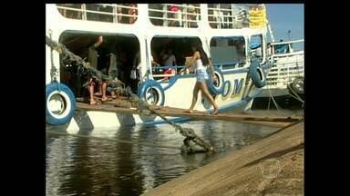 Em Alenquer, passageiros denunciam superlotação de embarcações - No período de féria, movimentação nos portos da cidade se intensifica.