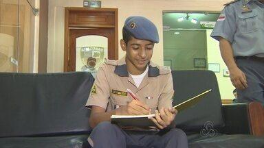 Estudante do AM é destaque em Olimpíada de Matemática - Aluno do Colégio Militar foi premiado; ele já venceu competição em 2014.