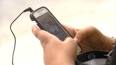 Mais de 18 mil celulares foram roubados em SP desde o início de 2015 - Criminosos se aproveitam da distração da vítima para atacar.É dentro de ônibus, metrôs e trens que os celulares são mais roubados no país.