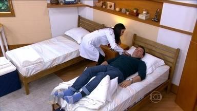 Bem Estar dá dicas para ter uma noite de sono tranquila - Colchão e travesseiro podem ter relação com uma noite mal dormida. Ortopedista e fisioterapeuta são dicas de como escolher o colchão.