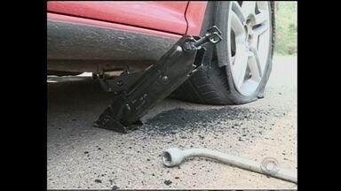 Buracos no asfalto da BR-282 causam prejuízos e riscos à segurança dos motoristas - Buracos no asfalto da BR-282 causam prejuízos e riscos à segurança dos motoristas