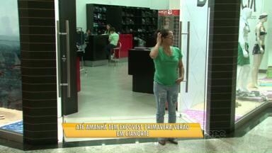 Segundo dia da Expovest em Cianorte tem movimento tranquilo nos shoppings - Mesmo assim, lojas atacadistas esperam 15 mil compradores de todo o Brasil. Esta é a principal feira da cidade que tem na indústria da moda a principal atividade.