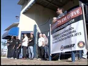 Agentes penitenciários fazem greve no Oeste Paulista - Trabalhadores pedem que reivindicações de 2014 sejam atendidas.