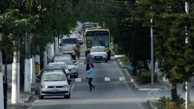 Por causa das férias escolares, trânsito fica tranquilo em Volta Redonda, RJ - Motoristas que circulam pelas ruas e avenidas próximas aos colégios do municípios sentem a diferença.