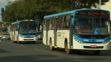 Fiscalização confirma que sistema de transportes ainda possui grandes problemas - Uma fiscalização do Tribunal de Contas confirmou o que os passageiros sentem todos os dias: mesmo depois da renovação da frota de ônibus, o sistema de transporte ainda possui muitos problemas.