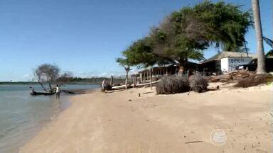 Mesmo sendo proibido é comum encontrar construções junto a linha da praia em Luís Correia - Mesmo sendo proibido é comum encontrar construções junto a linha da praia em Luís Correia