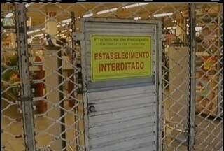 Supermercado é interditado em Petrópolis, RJ, após rato ser achado no local - Outras irregularidades foram encontradas.