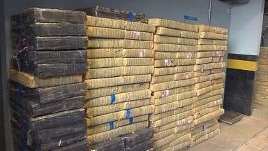 Polícia apreende mais de 6 toneladas de maconha em Pará de Minas - Droga foi encontrada escondida no paiol de um sítio.