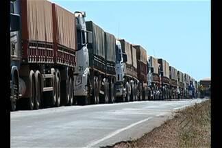 Na BR-158 no sul do Pará, um acidente com um caminhão provocou congestionamento - Foram mais de dois quilômetros de engarrafamento na rodovia.