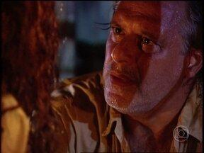 Bruno encontra Luana - O Rei do Gado decide ajudá-la a dar a luz