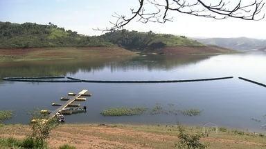 Duas décadas depois, SPTV aponta mudanças do rio Paraíba do Sul - Há 20 anos, tinha muita sujeira, poluição e margens devastadas no rio que passa pela pior seca da história. Em 60 anos de medições, os reservatórios do Paraíba do Sul nunca estiveram tão vazios.