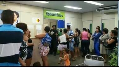 Pacientes reclamam do atendimento em postos de saúde de São João de Meriti, no RJ - Pacientes saem de bairros distantes ou passam por várias unidades para conseguir atendimento no município. A espera por uma consulta é outra reclamação da população.