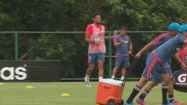 Enfim regularizado, Hernane pode estrear pelo Sport diante do Cruzzeiro - Atacante deve ser a novidade no time na partida do próximo domingo