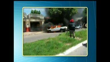 Vídeo mostra carro da Secretaria de Saúde pegando fogo em Santarém - Causas do incidente ainda estão sendo investigadas.
