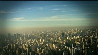 Número de mortes causadas por poluentes quase dobra em 4 anos em SP - Em 2011, os cientistas diziam que 4,5 mil pessoas morriam por ano na região metropolitana por causa de doenças agravadas pela poluição. Agora, são 7,8 mil mortes por ano.