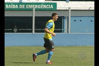 Paysandu volta aos treinos e Dado testa Everaldo - Treinador faz mudanças no time e atacante Everaldo já apareceu no time titular.