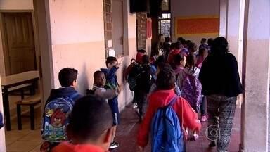 Mais de 500 mil alunos voltam às aulas nas escolas públicas e particulares de BH - O fim das férias também colocou fim aos dias de trânsito tranquilo nas ruas da capital.