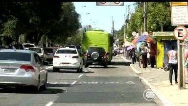 Invadir faixa de ônibus vira infração de trânsito gravíssima - Invadir faixa de ônibus vira infração de trânsito gravíssima
