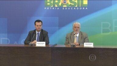 Prisão de José Dirceu repercute em Brasília - O ministro da Defesa, Jaques Wagner, disse que não é contra a investigação mas defende que a economia não seja prejudicada. O STF decidiu autorizar a transferência de Dirceu para carceragem da Polícia Federal em Brasília