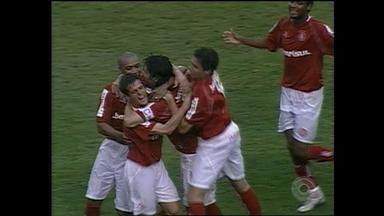 Inter vence Grêmio por 3 a 1 pelo Campeonato Brasileiro de 2004; relembre - Assista ao vídeo.