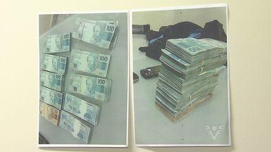 Dois homens foram presos acusados de estelionato - Eles fazem parte de uma quadrilha e se passavam por fiscais da receita.