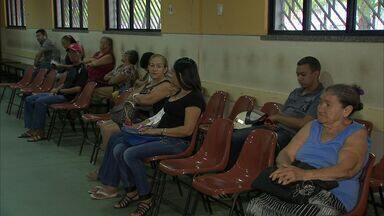 SUS volta a realizar cirurgias de catarata em Fortaleza - Centenas de pacientes aguardam em fila por mais de um ano.