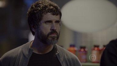Malhação - capítulo de terça-feira, dia 04/08/15, na íntegra - Gael surpreende Luiz conversando com Nat