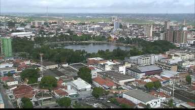 A cidade de João Pessoa cresce com prédios altos e em bairros tradicionais - Até mesmo nos locais onde antes só existiam casas, a presença dos edifícios é cada vez maior.