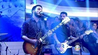 Banda Versalle abre o Encontro - Ex-participantes do SuperStar arrasam com música pop