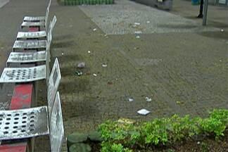 Mogi tem projeto de lei para multar pessoas que jogam lixo na rua - O projeto ainda está em discussão, mas alguns moradores da cidade aprovam a medida.