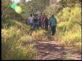 Após queda de ponte, moradores pedem por novo acesso em Junqueirópolis - Motoristas reclamam que distância para chegar em Dracena aumentou.