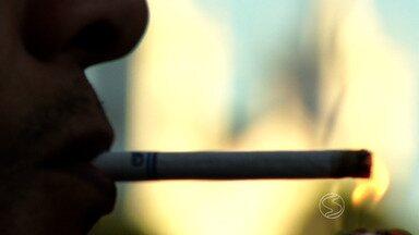 Quantidade de fumantes está diminuindo no país - Assunto é tema de entrevista no RJTV.