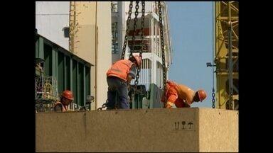 Portuários também protestam contra parcelamento dos salários - Operações no porto de Rio Grande, RS, podem ser prejudicadas