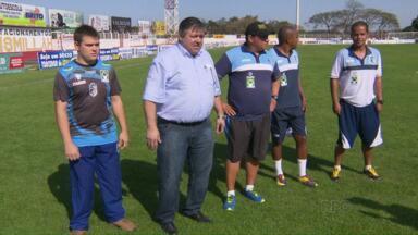 Foz Futebol demite comissão técnica e 18 jogadores - Garotos da base seguem na disputa do brasileirão da Série D