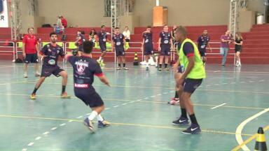 Londrina está de volta à liga nacional de handebol - Depois de dois anos a equipe voltou a competir.