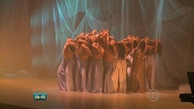 Grupo de Jaboatão emociona plateia no Festival de Dança com musical de Villa Lobos - No elenco, sete músicos e 36 bailarinos, que são também cantores.