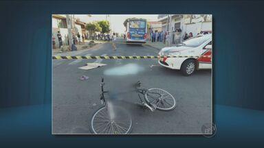 Adolescente de 14 anos morre atropelada por ônibus em Indaiatuba, SP - Um outro adolescente também foi atingido e sofreu ferimentos leves. O jovem foi encaminhado para o hospital municipal.