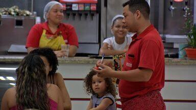 Garçons de Cuiabá comentam a decisão da presidente da República - Garçons de Cuiabá comentam a decisão da presidente da República, que vetou a lei que regulamentaria a profissão