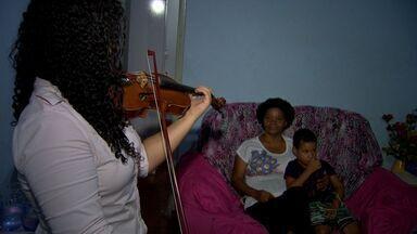 Violinista de Cuiabá vai se apresentar na República Checa - Violinista de Cuiabá, formada pelo projeto Ciranda, vai se apresentar na República Checa.