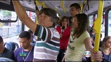 Reportagem pega carona em ônibus para mostrar dificuldades na rotina de passageiros - Experiência foi feita no Recife, na linha TI-Tancredo Neves.