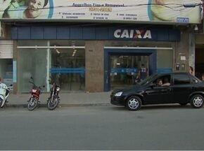 Dono de casa lotérica é assaltado dentro de agência bancária em Santa Cruz do Capibaribe - Ele foi abordado antes de passar pela porta giratória.