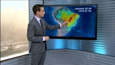Previsão é de baixa umidade do ar principalmente no Nordeste e Centro-Oeste - Entre Goiás e Tocantins, os índices devem ficar abaixo de 20%. A quarta-feira (12) terá chuva na fronteira com o Uruguai, em parte do Nordeste e do Norte.