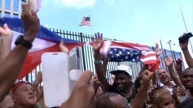 EUA reabrem embaixada em Cuba depois de 54 anos de rompimento - Na sexta-feira (14), Cuba e Estados Unidos reabriram embaixadas nos respectivos países, mas as relações entre os dois países ainda estão bem distantes da normalidade.