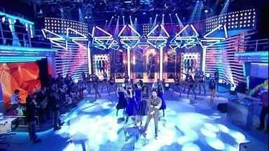 Fãs de Luan Santana cantam 'Escreve Aí' e cantor vibra - Ele elogia a surpresa da galera