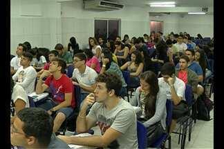 Estudantes de Belém lotam as salas de cursinhos pré-vestibulares de olho no Enem - As provas serão realizadas em outubro e candidatos já entram na reta final.