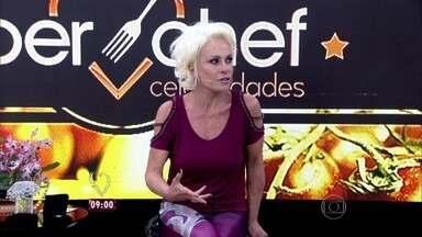 Ana Maria recebe os participantes do 'Super Chef' - Apresentadora relembra como foi a eliminação de Miá Mello