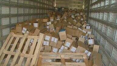 Polícia de Sumaré recupera caminhão com remédios - O veículo havia sido roubado no início de agosto. Os policiais receberam uma denúncia anônima e foram até o local.
