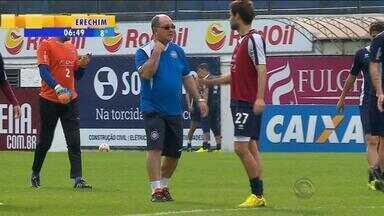 Esporte: em último lugar na chave, Caxias anuncia troca de técnico - Assista ao vídeo.