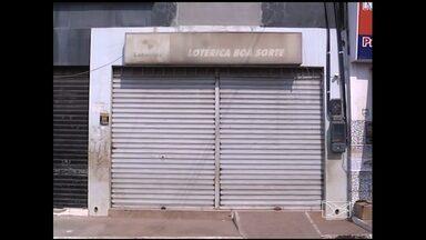 Após onda de assaltos, única loteria de João Lisboa (MA) fecha as portas - A insatisfação é geral de moradores de João Lisboa (MA), a 12 quilômetros de Imperatriz, por causa de assaltos. Agora, a situação já prejudica até a prestação de serviços. A única loteria da cidade fechou.