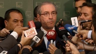 Denúncia contra Eduardo Cunha deve ser protocolada nesta quinta-feira (20) - A qualquer momento a Procuradoria-Geral da República deve protocolar no Supremo Tribunal Federal uma denúncia contra o presidente da Câmara.
